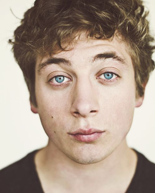 Jeremy Allen White - Bing Images