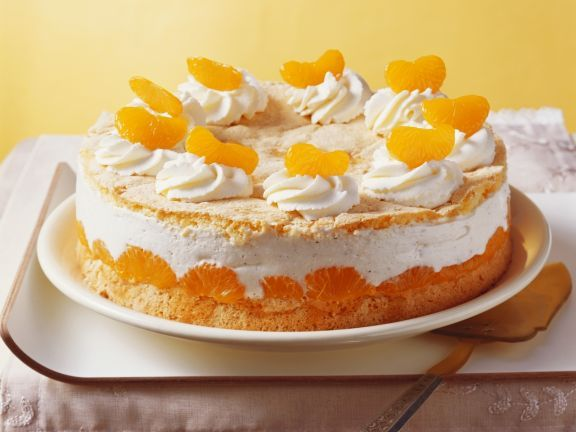 Mandarinentorte ist ein Rezept mit frischen Zutaten aus der Kategorie Käsekuchen. Probieren Sie dieses und weitere Rezepte von EAT SMARTER!