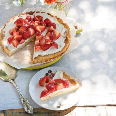 Luchtige citroencake met mascarpone en aardbeien