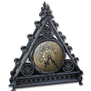 Gothic Quinquerosa Clock from Dark Emporium Gothic store