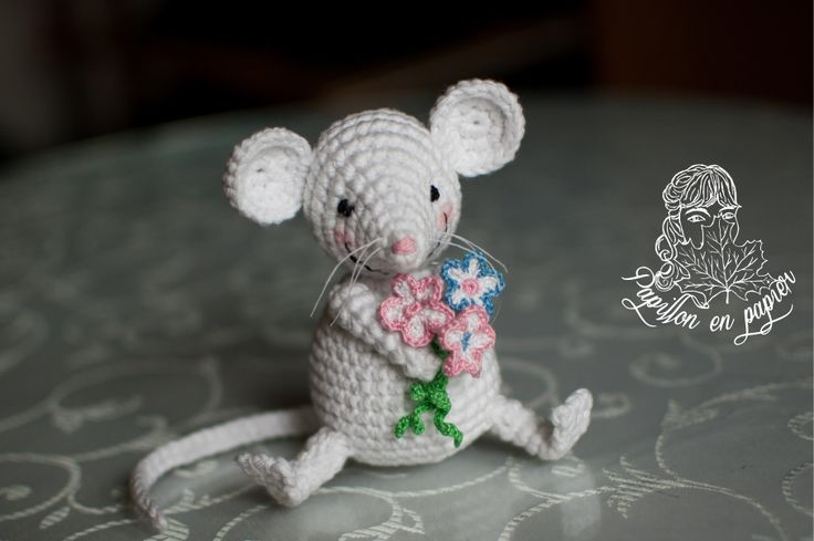 Freddie the Mouse. By Papillon en Papier https://goo.gl/xP5m7H
