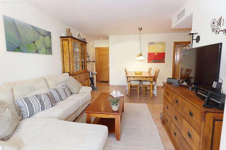 80m² Wohnung im neuw. Zustand mit EBK, Balkon & Stellplatz: In der ruhigen Wohngegend von Costa Canyamel befindet sich diese Wohnung mit Zugang circa auf Straßenniveau, in einer...