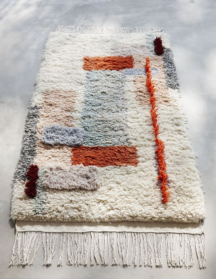 Mae Engelgeer- Textile Designer from the Netherlands | Produced by Marc Janssen in a factory in Nepal, using 100% wool and the craftsmanship from traditional hand knotting