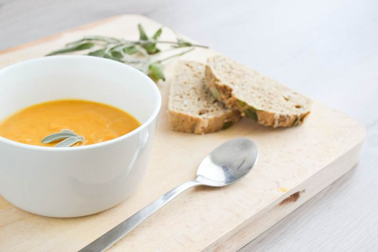 Pittige Soep met Pompoen en Zoete Aardappel
