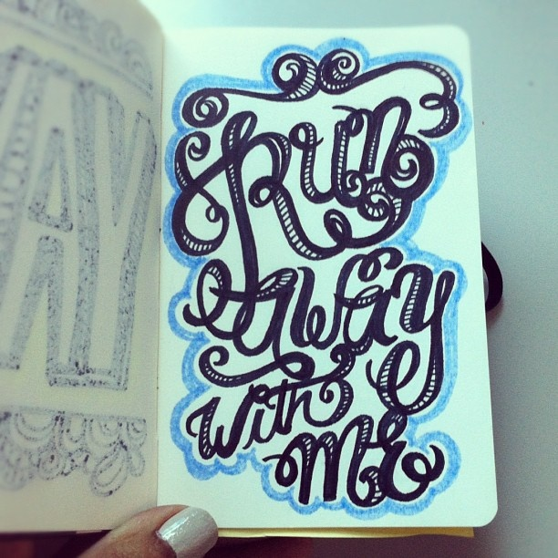 Run away... #lettering #letteringdaily #script #doodle #moleskine - @magicmaia- #webstagramFunky Letters, Letters Letteringdaili, Letteringdaili Scripts, Creative Typography, Fartsy Stuff, Art Journals, Doodles Letters, Artsy Fartsy, Doodles Moleskine