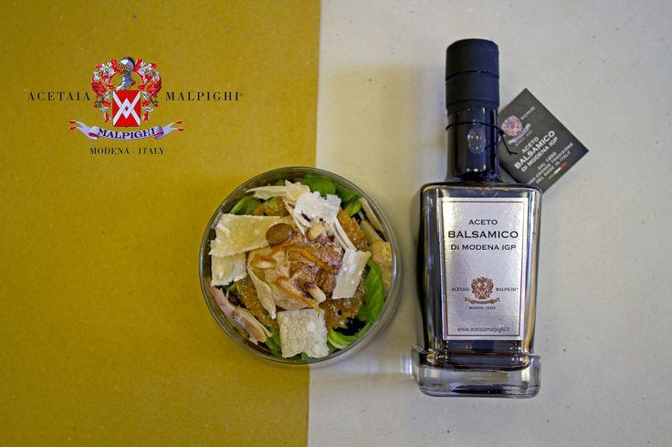 Insalata di Cappone con Pinoli, Uvetta e Cialda all'Arancia su Gelatina e Spuma di Aceto