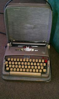 Brother Pro-Line 707 Manual Typewriter in Carrying Case Very Good Condition