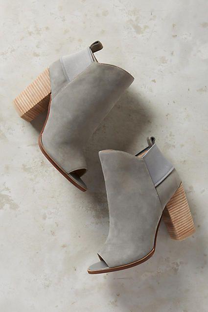 gray-shoes