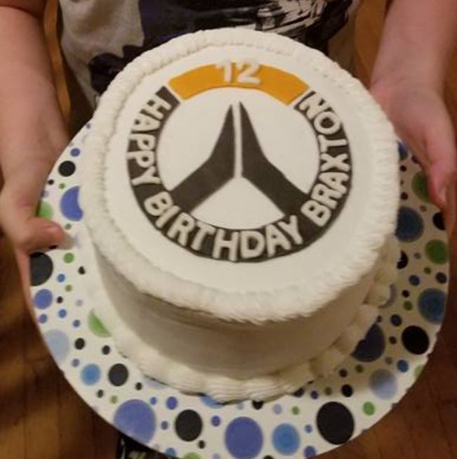 Overwatch Birthday Cake | Dazzle with Icing in 2019 | Overwatch ...
