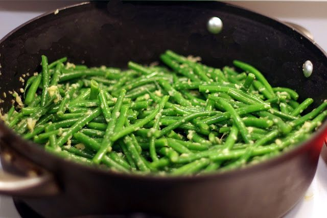 Ginger Garlic Green Beans by withinthekitchen: Healthy, easy and cleanse-friendly from day 1.
