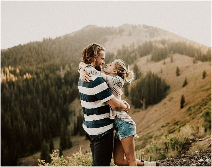 Zoe + Josh Evening in the Mountains – India Earl Photography