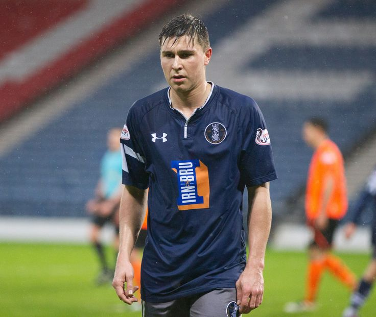 Queen's Park's Sean Burns in action during the Ladbrokes League One game between Queen's Park and Stranraer.
