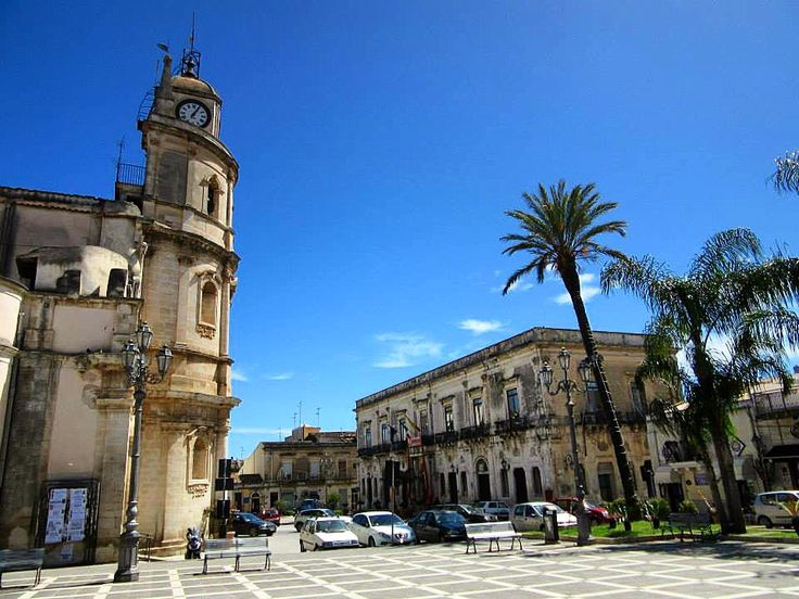 Visiting my family in Florida, Sicilia ❤ Good memories of walking around the piazza with un gelato #yum #missit #italianfamily #memories #culture #holiday #italy #sicily #floridia #siracusa #visititaly #visitsicily #family #instalove #instagood #beautifulday #love #tan #sunny #spring #melbournelifelovetravel #blueskies #lovinglife #carefree #instasmile #italianfamily #colourful #vibrant #piazza #gelato #icecream