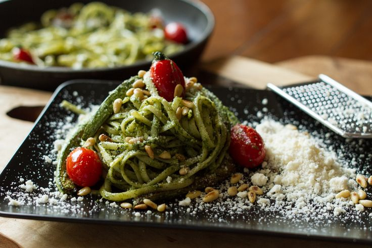 Linguini with pesto ala Genovese and zucchini