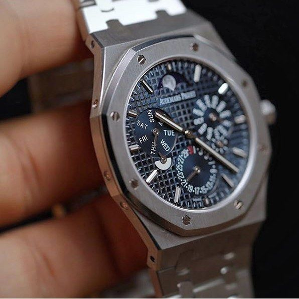 Haute Horlogerie On Instagram The World S Thinnest Automatic Perpetual Calendar At 6 30mm In Th Audemars Piguet Perpetual Calendar Audemars Piguet Royal Oak