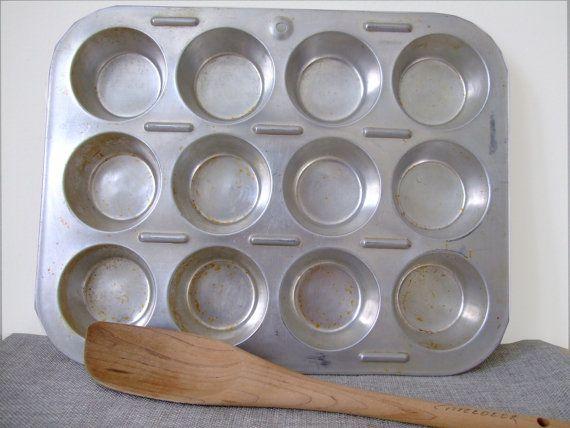 Vintage Muffin Pan 12 Cups Mirro Tin Pan Cupcake Pan