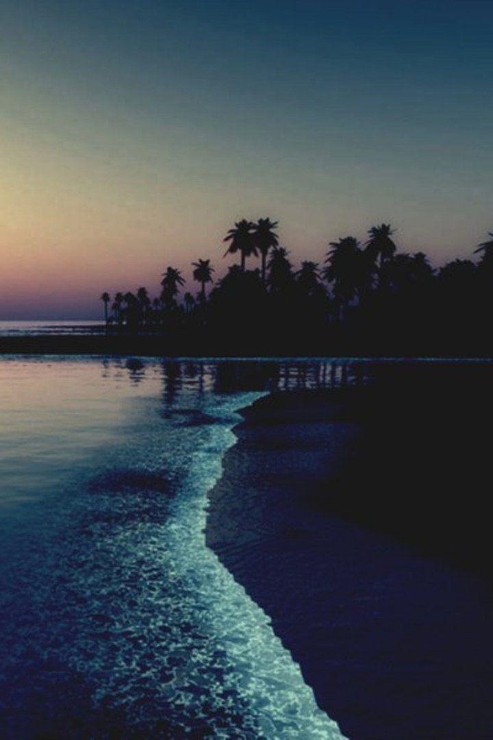 Glowing waters – Lilian Silvercoat