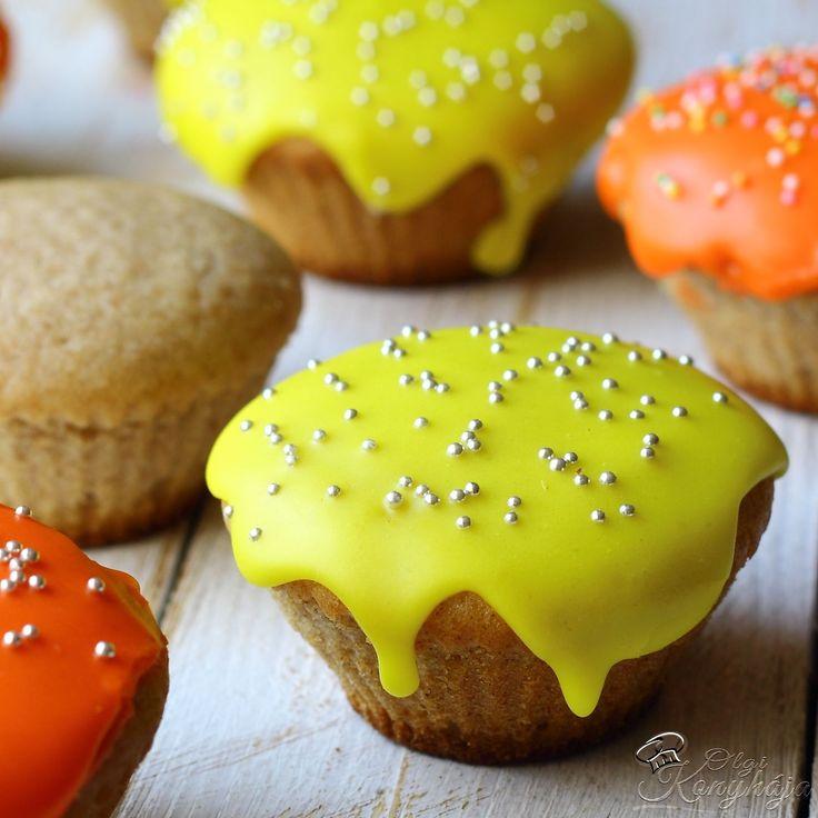 Ez egy olyan muffin alaprecept, amit úgy ízesítesz, ahogy te szeretnéd. Egy végtelenül egyszerű muffin recept, finom és elronthatatlan.