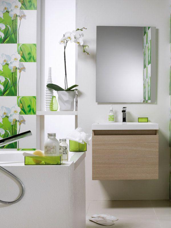 Decoración de baño en color blanco y verde