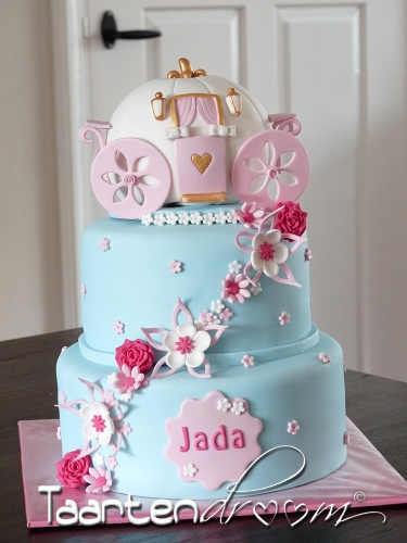 146 best Cinderella Carriage cakes images on Pinterest