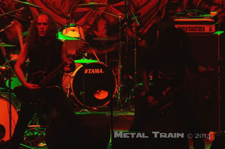 Witchtrap in Bogota - Metal Train