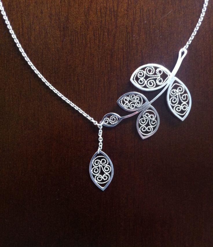 Katja von Elbwart: silver filigree leaf necklace