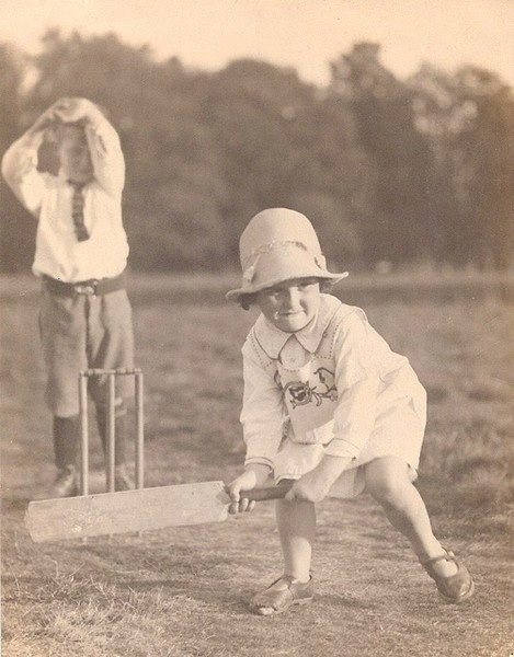 Cricket in the past   Interesting Pictures