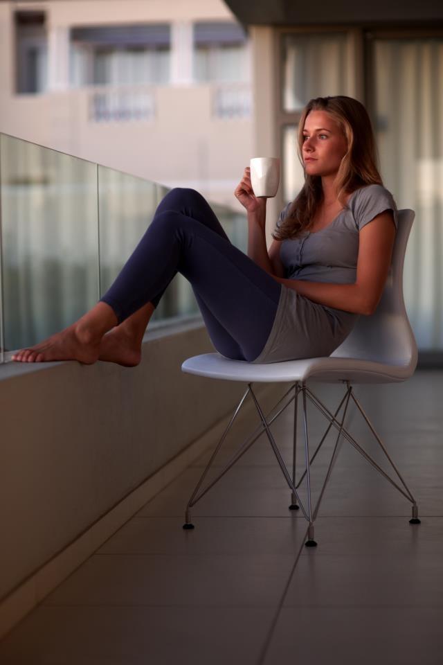 En las tardes, me gusta sentarme a pensar y consentirme con una taza de Colcafé Vainilla.