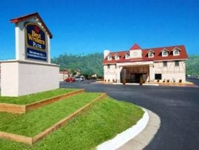 Helen (GA) Best Western Plus Riverpark Inn and Conference Center Alpine Helen United States, North America Located in Helen, Best Western Plus Riverpark Inn and Conference Cen is a perfect starting point from which to explore Helen (GA). The hotel offers a wide range of amenities and perks to ensure you have a great time. 24-hour front desk, Wi-Fi in public areas, car park, meeting facilities, business center are on the list of things guests can enjoy. Guestrooms are fitted wi...