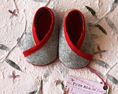 FELT SHOES BABY Boy and Girl - Newborn also available - Red and Grey 100% Wool Felt Kimono design