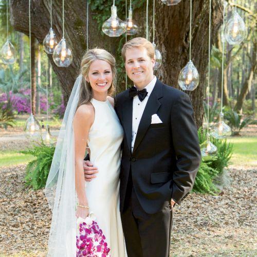 Cameran Eubanks and Jason Wimberly wedding, Charleston wedding, southern charm wedding, Southern real weddings, sheath wedding dress //  It Girl Weddings http://www.itgirlweddings.com/blog/cameron-eubanks-southern-wedding