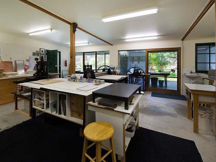 Tree Change, Artist, Car Collector, Hobby Farmer, Goldfields Region Maldon PRICE OPEN FOR NEGOTIATION