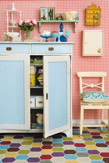 Best 25 quirky kitchen ideas on pinterest quirky home for Quirky kitchen items