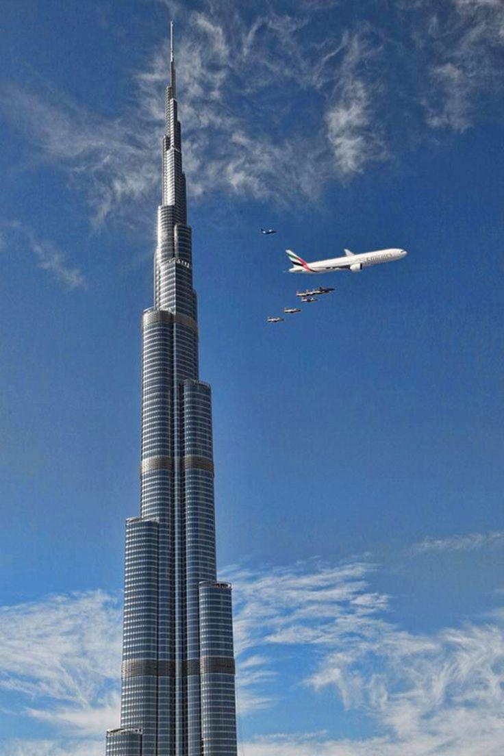 défilé d'avions au dessus de Dubai, présentation de la nouvelle flotte avec Airbus A380 d'Emirates