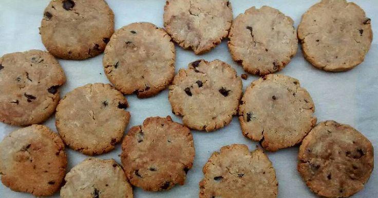 Fabulosa receta para Galletas de coco y chocolate (SIN GLUTEN). Han salido unas galletas muy crujentes y sabrosas)