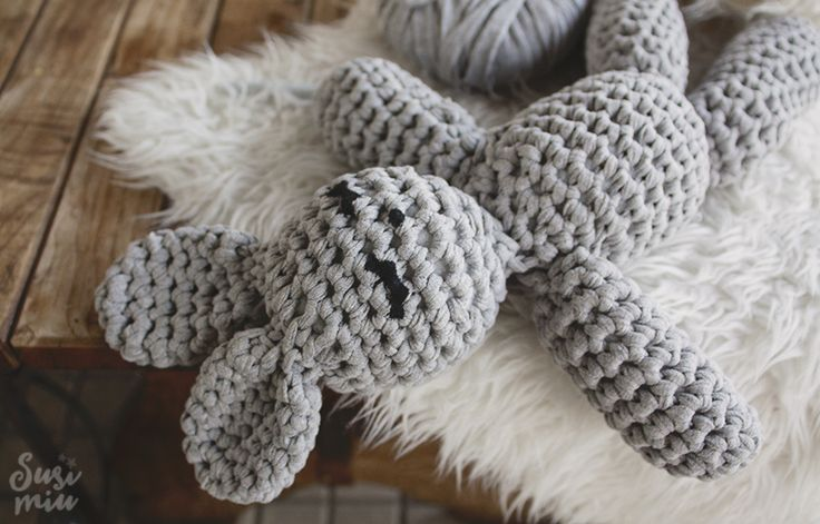 Patrón de conejo amigurumi hecho a crochet con Trapillo SOFT. Free Pattern