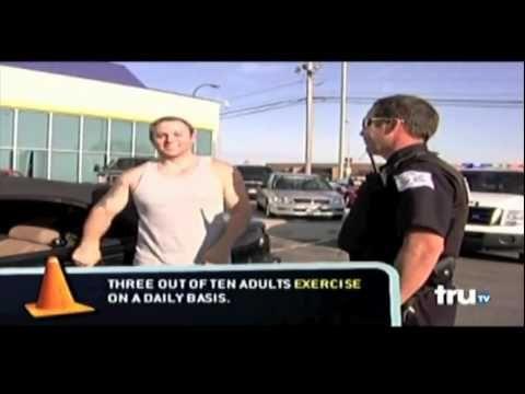 Muscle guy beats Policeman - YouTube