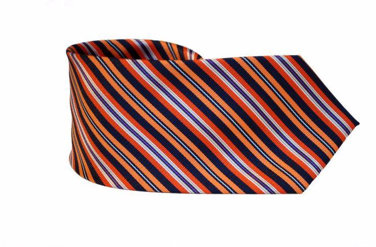 Оранжевый галстук в полоску