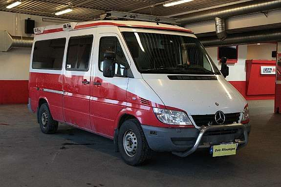 Mercedes-Benz Sprinter 316 CDi 2,7 156HK Automat Ambulanse  2003, 407000 km