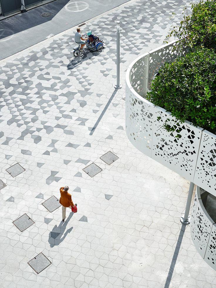 AZ Sint-Lucas hospital car park by Abscis Architecten omgevingsaanleg plein voetpad motief patroon vloertegels balkon terras geperforeerd borstwering