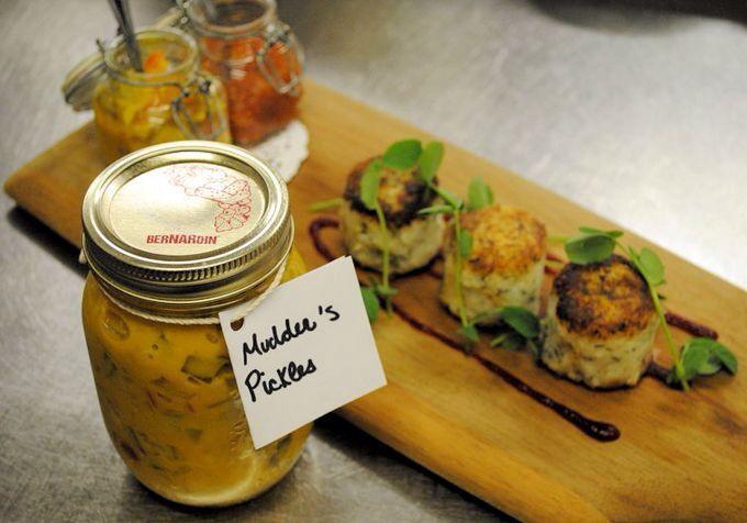 {Newfoundland Recipes} My Mudder's Homemade Pickles.