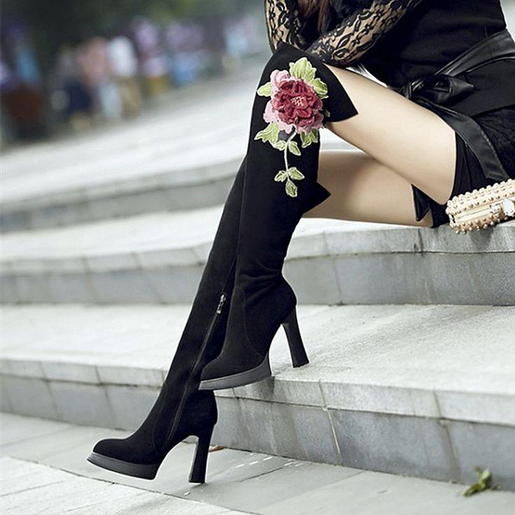 Ucuz Süet Deri Kadın Diz Yüksek Çizmeler Üzerinde 2017 Kış Yeni Seksi kalın Yüksek Topuklu Elbise Ayakkabı Kadın Büyük Çiçekler Uzun Gösterisi Patik, Satın Kalite bayan botları doğrudan Çin Tedarikçilerden: mağazamıza hoşgeldiniz!1. Teslim süresi1) stok ürünler 2-5 gün içinde teslim yapabilirsiniz.2) Özel yapılmış ayak