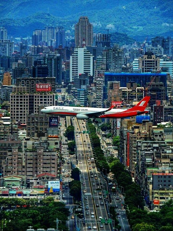 It was always a thrill to land at Kai Tak Airport