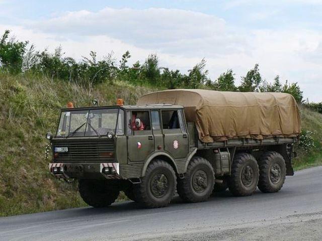 Tatra T813 Kolos 8x8 -