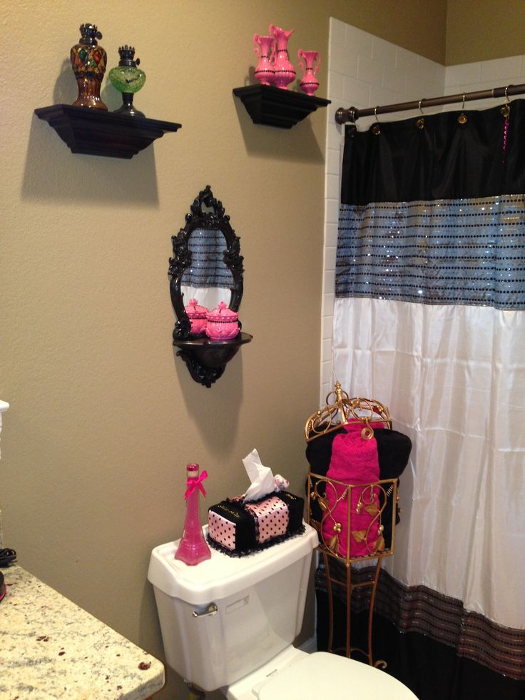 17 best images about decor on pinterest home interior - Pink and black teenage room ...