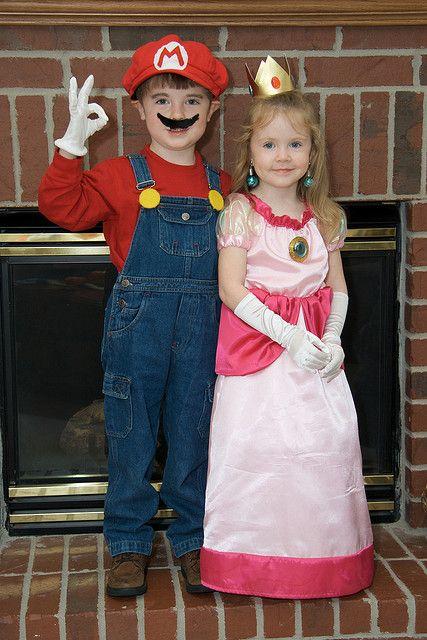 Mario and Princess Peach sibling Halloween costumes