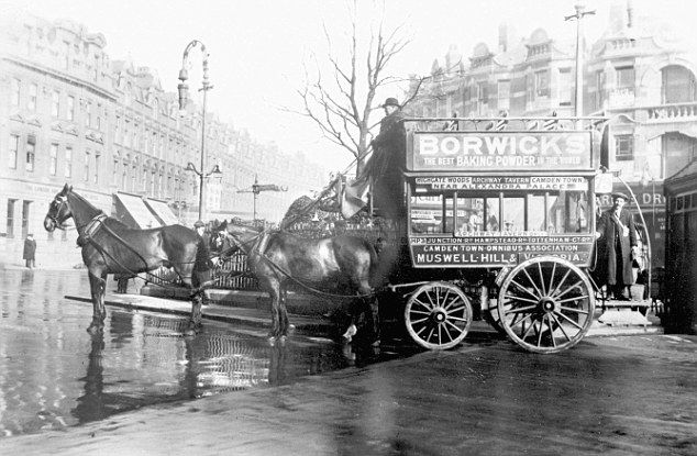 A Hackney carriage parked at Muswell Hill, London, in 1910