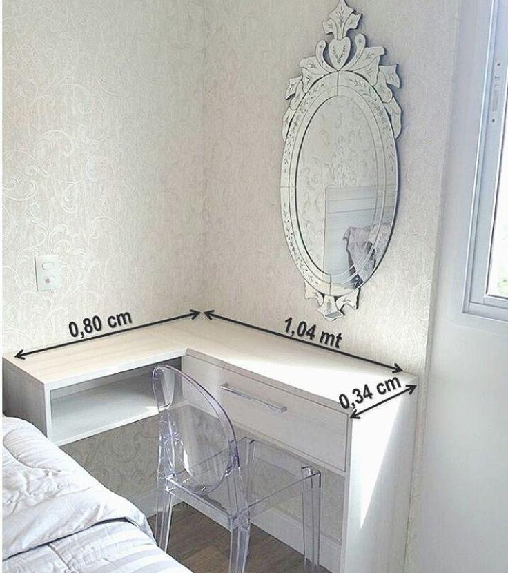 Ideia do móvel em L no lado da cama. Gostei do espelho *outra cadeira *outro puxador