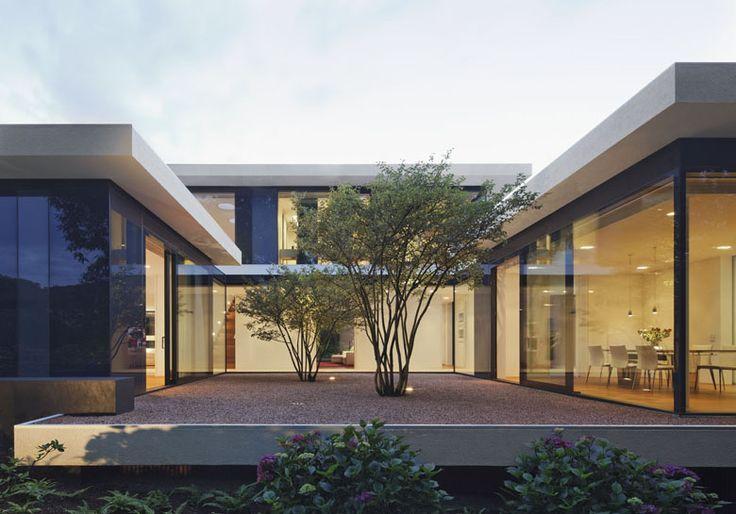 pavillon villa in bayern germany by weber hummel architekten sophora japonica trees in patio. Black Bedroom Furniture Sets. Home Design Ideas