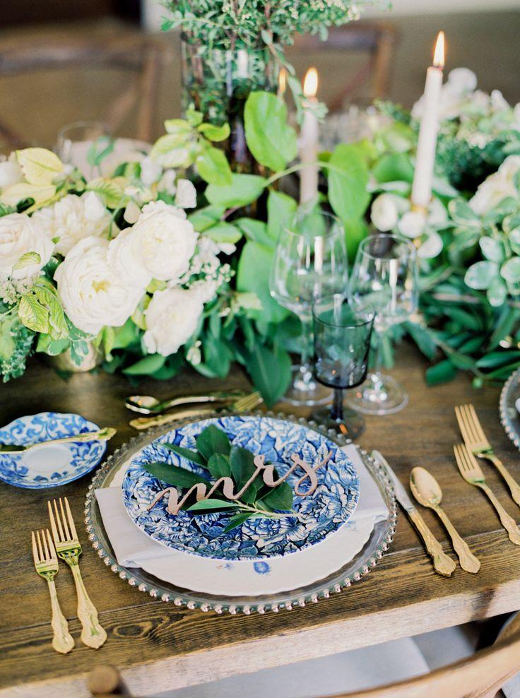 La Tavola Fine Linen Rental: Nuovo Grey Napkins | Photography : Elyse Hall Photography, Event Design: Imoni Events, Floral Design: Carte Blanche Design